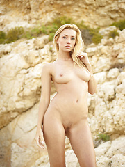 Alone blonde babe solo erotic pictures - Pics