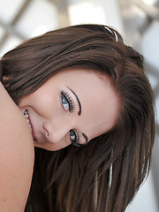 Amazing babe Jennifer Nexus