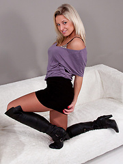Skirt and boots - amazing combination from Kendra Rain - Pics