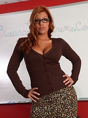 Tanned babe Briana Lee is teacher