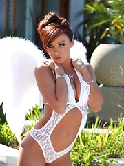 Capri Anderson wearing her angel wings, so pretty!