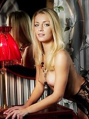 Blonde MetArt babe Sharon - Pics