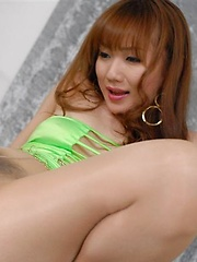Japanese babe Reona Kanzaki in pantyhose - Pics