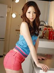 Asian Miki Asada seducing the cameras - Pics