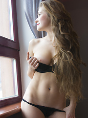 Always smiling, always showing secret look. This slender nude cutie looks amazingly good in that sexy black underwear. - Pics