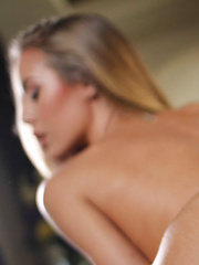 Hot blonde delivers sexy birthday - Pics