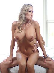Hot woman needs plenty of hard cock - Pics