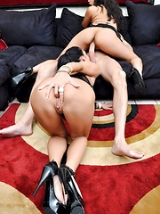 Dirty Anal Fuck Pics - Jessica Jaymes and Annie Cruz - Pics