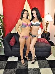 Jessica Explores Claudia Pics - Jessica Jaymes and Claudia Valentine