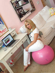 Tasha Reign in phone photos from her everyday life - Pics