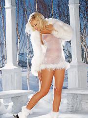 Playmate of the Month February 2002 - Anka Romensky… - Pics