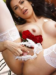 Vanessa Veracruz shows off her fantastic body in lingerie - Pics