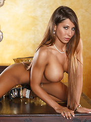 Madison Ivy fucks herself for a wild orgasm - Pics