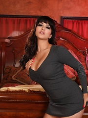 Sexy busty brunette, Sunny Leone, is a natural in front of the camera. She is a total exhibitionist and loves to tease you with that sexy little body of hers.