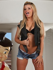 Adriana Sephora gives big boy a naughty show! - Pics