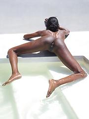 Sexy model - Pics