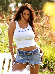 Jelena Jensen - is voluptuous and frisky