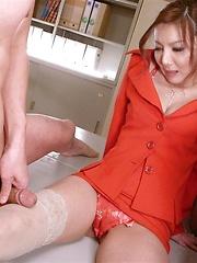Sexy Yuna Hirose gets two hard cocks - Pics