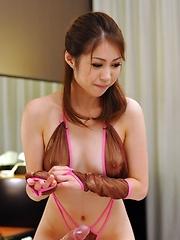 Good handjob for cute Rinka Kase - Pics