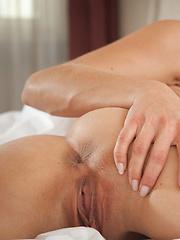 Beautiful masturbation - Pics
