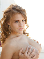 Viola Bailey and her magnificent cuppable breasts