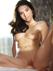 Aza\'s magnificent body with fair, porcelain skin, exquisite breasts with pink nipples. sexy hips, and shaved pusy - Pics