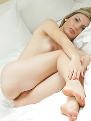 gorgeous Maggie A shows off her lady parts in bed