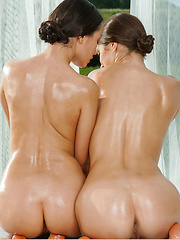 Gabriel A and Vanda B, both oiled and lusty - Pics