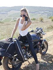 Very sexy easy rider - Pics