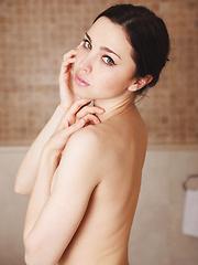 Anita E - SEGYE - Pics