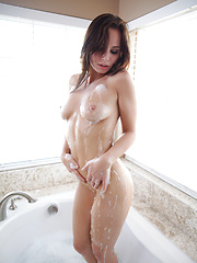 Sexy coed Aidra Fox slips her top off in the pool then heads inside to satisfy her warm wet pussy with a vibrating toy - Pics