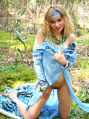 For the lovers of teen babes we preset you this sensual softcore image set with a flawless blonde cutie in the woods. - Pics