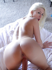 Blonde bombshell Jessie Volt does a hot booty dance then gives her man a wet blowjob and a stiffie ride in her bald pussy - Pics