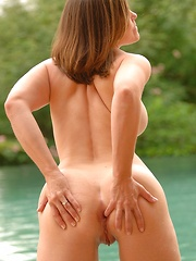 Liora gets naked in the pool - Pics