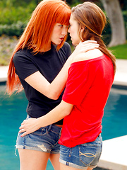 Sexy horny ginger girl cums on to her sexy friends sexy ass watch red head fuck and suck her pussy - Pics