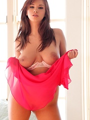 Sabrina Maree - slips off her pink nightie and spreads - Pics