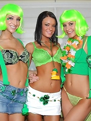 Horny lesbian babes celbrate st pattys day with wigs and dildo fucking in thes amazing pics - Pics