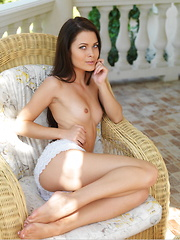 With a glowing, sunkissed complexion, perfect proportions, and exquisite assets, Amelia B is a breathtaking beauty in the veranda.