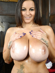 It seems like the UK is an endless source of sexy babes with great big boobs and our newest gal here, 30KK Terri Jane, is no exception