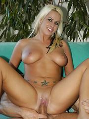 Natural breasted, Jordan Taylor loves to fuck! - Pics