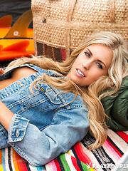 Kayla Rae Reid - Pics