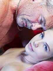 Young Girl Loves Sex - Pics