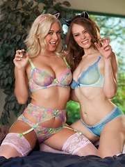 Jenna Justice looks naughty playing with a her hottie girlfriend