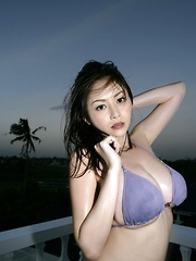 Anri Sugihara Asian with huge melons shows curves at the sea - Pics